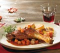 Entenkeule geschmort mit Thymian-Rotweinsauce
