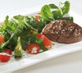 Rucola-Spinat-Salat mit Avocado, Grapefruit und Steak